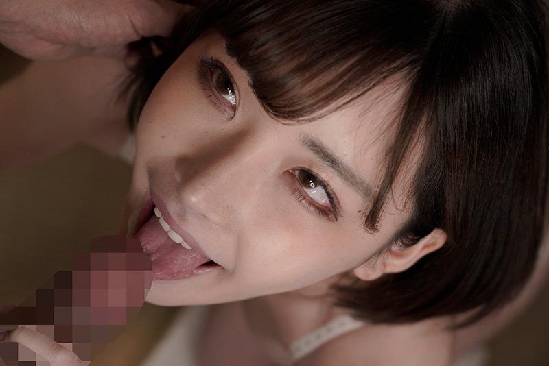 フェラ魔に豹変!!名古屋で有名なお嬢様育ちの箱入り妻 画像 1