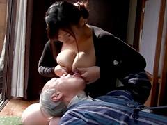 母乳:盗撮 母乳介護2