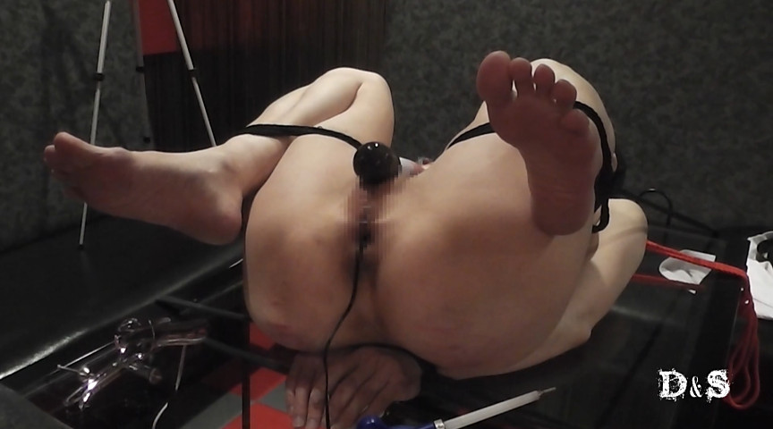 『絶望したいという女 膣口タッカー・膣内通電』サンプル画像 0002