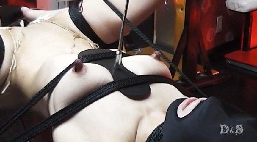 エリート変態女 ラビアクリップ尿道乳首電気責め