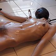 女子大生マリア 吸盤拘束、真空機と打具と電動ガン