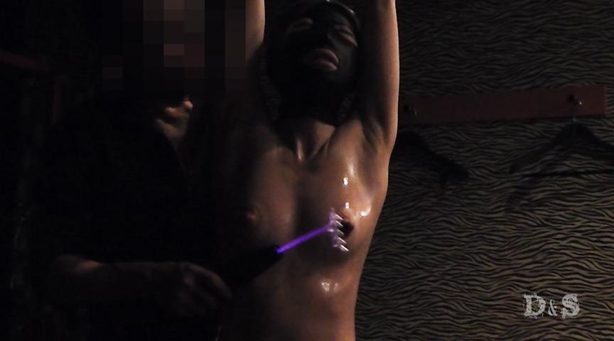 エリート変態女 ポンプで吸引・高圧電気責め:画像(4)