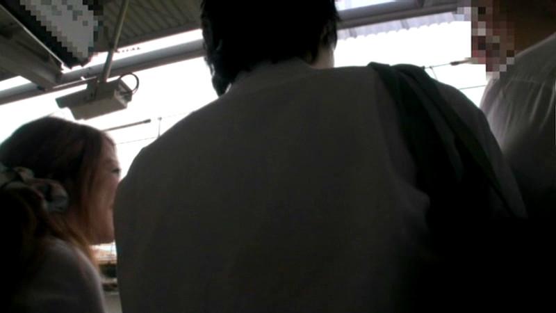 満員電車で顔見知り女子校生に勃起したらヤられた1のサンプル画像