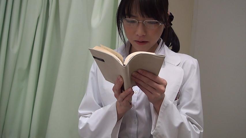 看護師/女医に官能小説の読み聞かせをお願いしたら1のサンプル画像