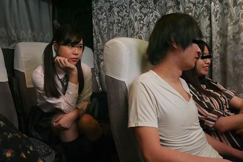 夜行バスで出会った痴女J○に手コキで焦らされて1 画像 3