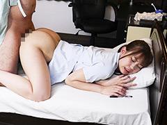 宿泊ドックの数日間に看護師をする彼女の親友とセックスしまくった VOL.2