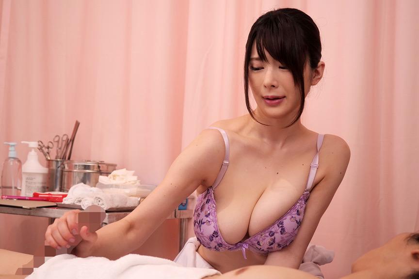 献身的なパイズリ挟射で性処理してくれる巨乳看護師