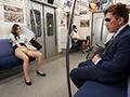 最終電車で痴女とまさかの2人きり!のサムネイルエロ画像No.1