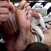 未公開 足の裏くすぐり撮影中に電マあててみました 杏奈