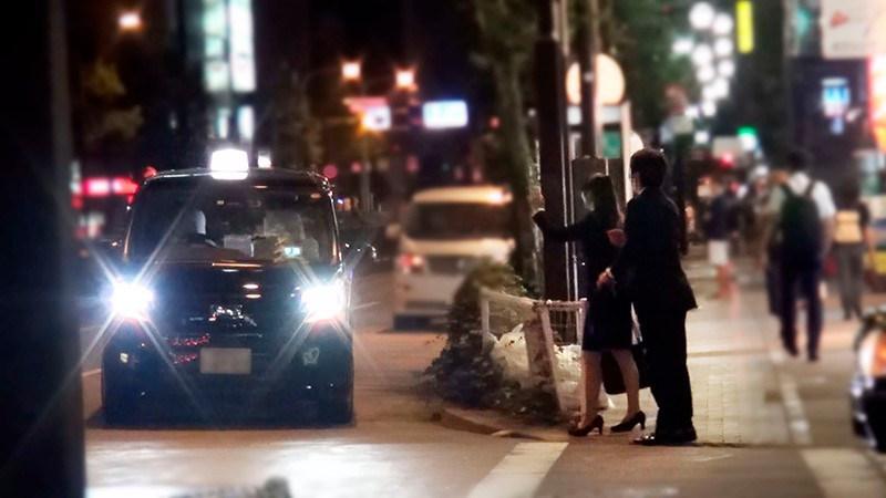 一般男女モニタリングAV タクシーの中に2人っきりのサンプル画像