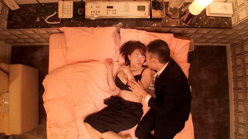 同窓会で再会した男女が1発10万円の連続射精セックス! 画像 2