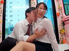 人妻OLと後輩男子がオフィス街で連続射精セックス