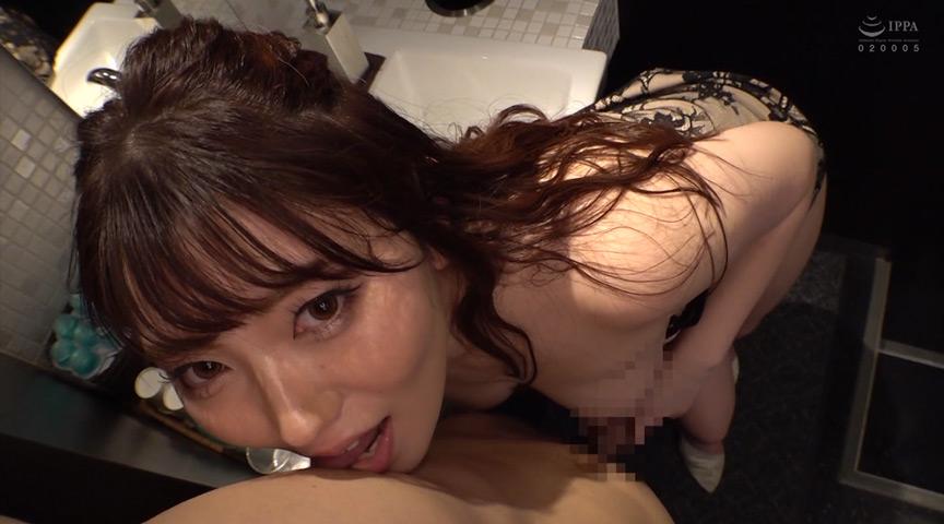キャバ嬢の柔巨乳が刺激的で見とれていると…