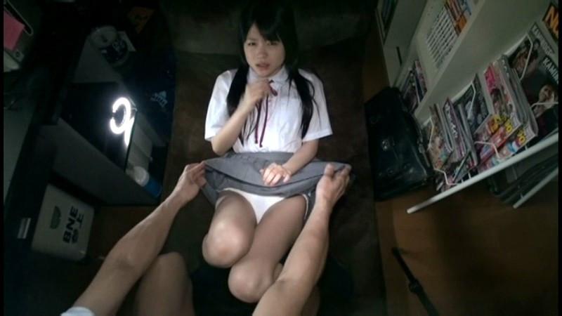 少女の自画撮りセックス 南梨央奈 画像 2
