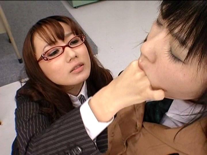 強制レズ 放課後女性徒狩り 吉沢みなみ 神崎レオナのサンプル画像3