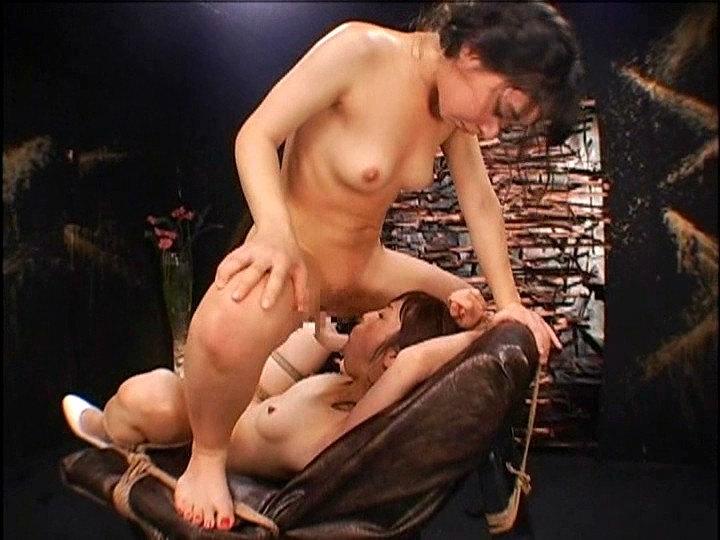 拘束椅子Lbian 七咲楓花 晶エリー 画像 12