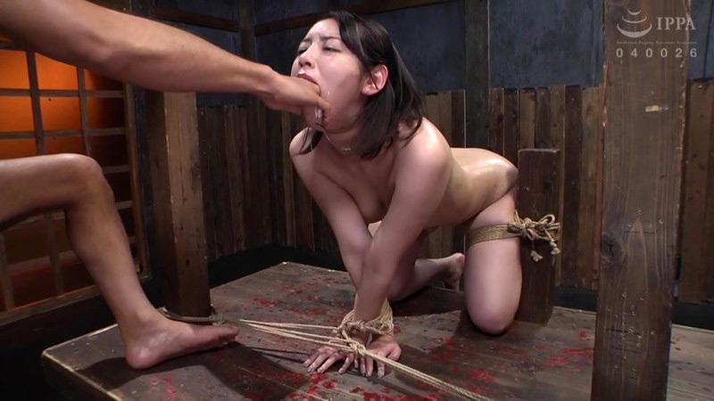 串刺し拷問 美咲かんな 画像 9