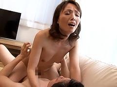 親族相姦 五十路の母に膣中出し 隅田涼子