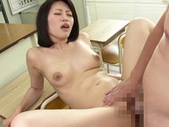 """""""黒大蛇に睨まれた熟女教師 33人8時間"""