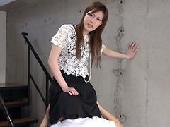 クンニ動画|立ちクンニされながら質問に答える女【十五】