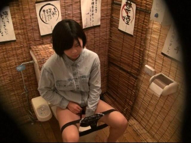 居酒屋トイレ盗撮 欲情便所 [二十二]のサンプル画像1