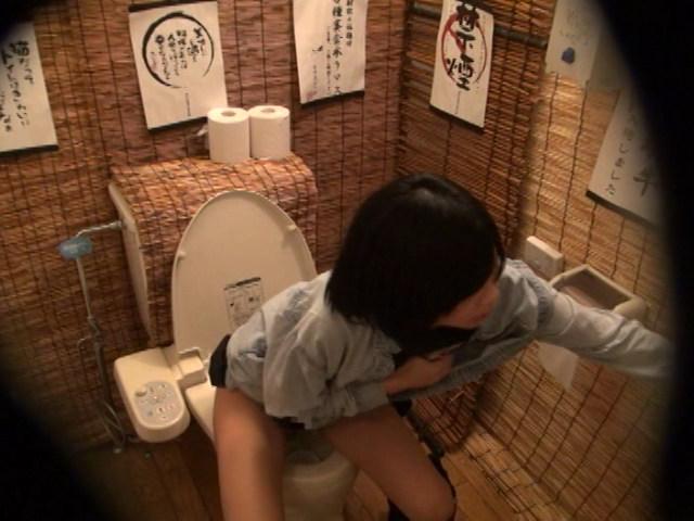 居酒屋トイレ盗撮 欲情便所 [二十二]のサンプル画像8