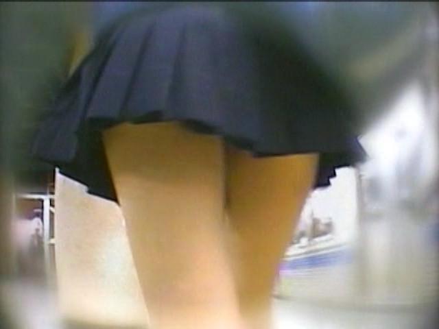 某ダウンロード配信サイトで売れ筋 JKパンチラ流出 の画像12