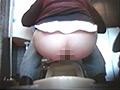 SNSで集めた即お金を稼ぎたい女達70人 素人放尿映像サムネイル6