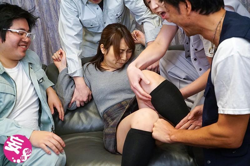 妻が肉体労働者に寝取られて中出し汚便器にされましたサムネイル04