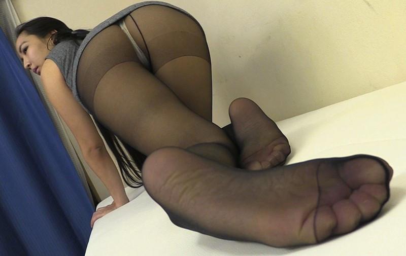 私の蒸れて湿ったパンスト足で弄ばれてみる? 画像 7