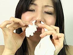フェチ:佐々木亜矢さん こよりで鼻に刺激!