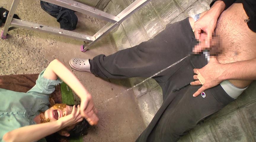 スカトロ!むせかえる食糞便器女2 の画像3