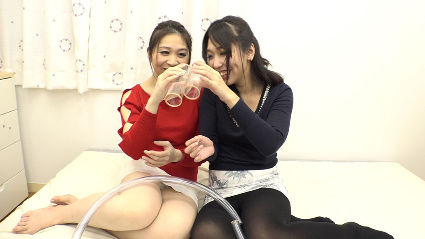 アナル連結脱糞クソ押し込みレズ 後藤結愛 涼宮凛 の画像5