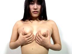 【マニアック動画】メンヘラっぽい素人ムスメの乳首観察
