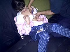 フェチ:着エロ!衣服切り裂きフェチ 保母さん編