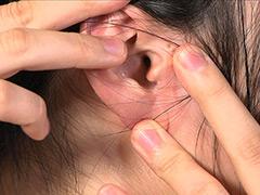 フェチ:耳フェチ!耳穴観察&掃除 安達まどか