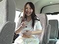 車内でへそ観察 梅原葵のサムネイルエロ画像No.5