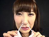 小峰みこの鼻観察&こよりで大量くしゃみ鼻水大噴射