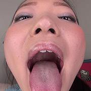 素人娘ともみちゃんの舌・口内自撮り&主観口臭嗅がせ
