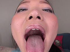フェチ:素人娘ともみちゃんの舌・口内自撮り&主観口臭嗅がせ