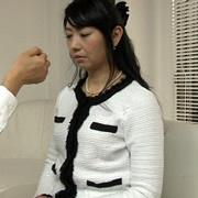 痴女催眠で白目を剥いて失神した人妻 由梨絵