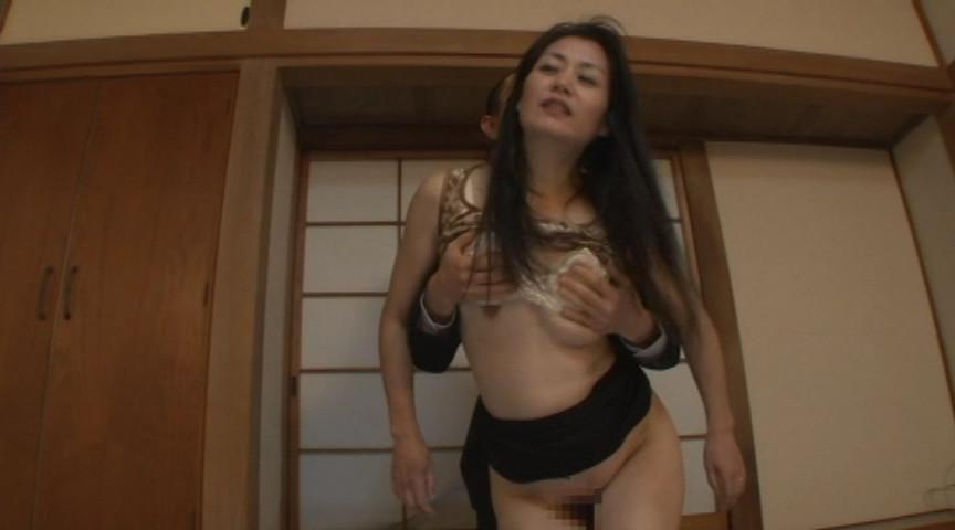 痴女催眠で命令されるままにオモチャにされて白目を剥いて失神した人妻 真弓 の画像9