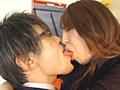 突然お姉さんがナヨ男に垂涎ベロ舐め接吻責め