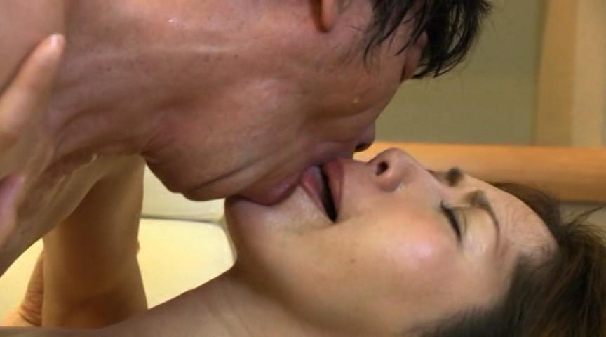 熟女達の世界一濃厚でいやらしい接吻とSEX3 の画像5