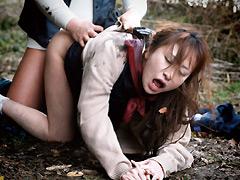 婦女暴行の悲劇 突っ込まれるために穴がある。