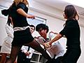美人女教師金蹴り指導