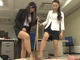 女教師金蹴り地獄