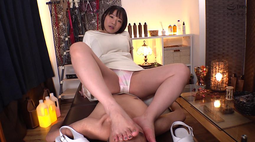 私の足のニオイを嗅ぎなさい!! 画像 3