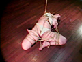 緊縛イズム01 肉を裂く縄・ゆきほ鼻責め宙吊り の画像5