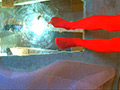 長身スレンダー女性がカエル踏み!屋外はイモリ!のサムネイルエロ画像No.7